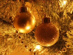 christmas_tree_decorations_200943